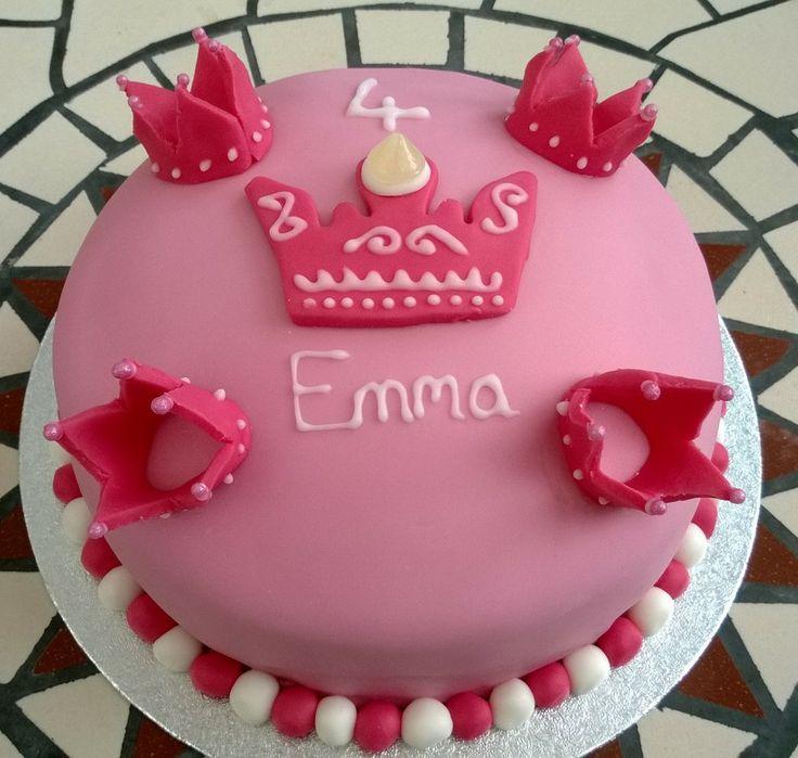 Pink and girly princess cake  Newbury  Pinterest  Pink, Princesses ...