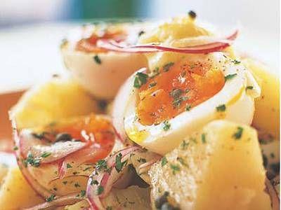 半熟卵とじゃがいものサラダ
