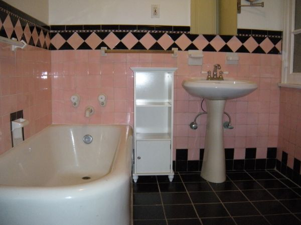 Art Deco Bathroom Not Pink But Black And White Diamond