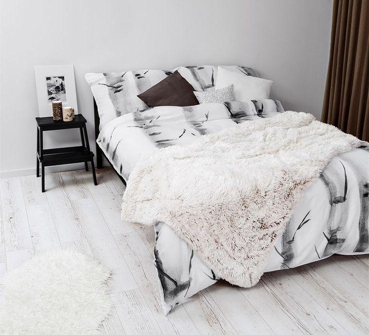 Sypialnia w stylu skandynawskim. Komplet pościeli w brzozy.