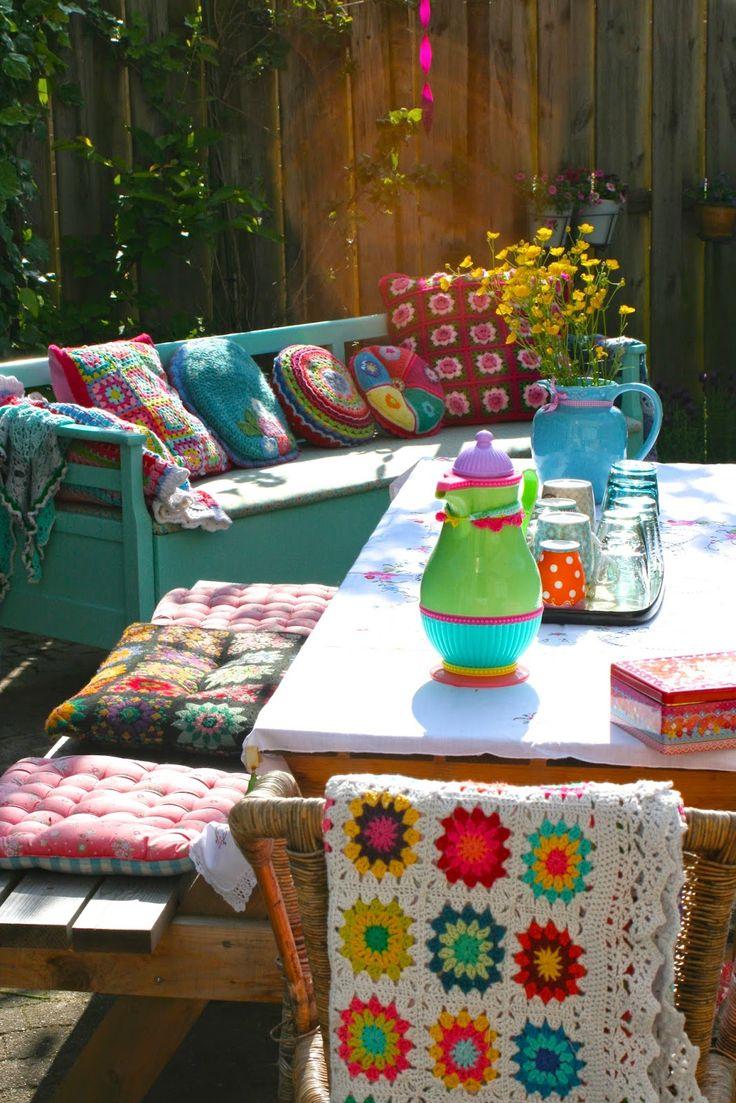 Als mijn tuin er nou eens zo fleurig uit zou zien als op de foto van Haken bij Saar en Mien :-)