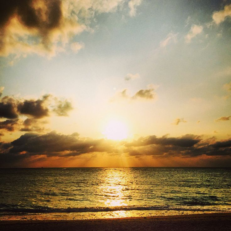 沖縄 本部 夕陽 #okinawa #sunset #onthebeachlue