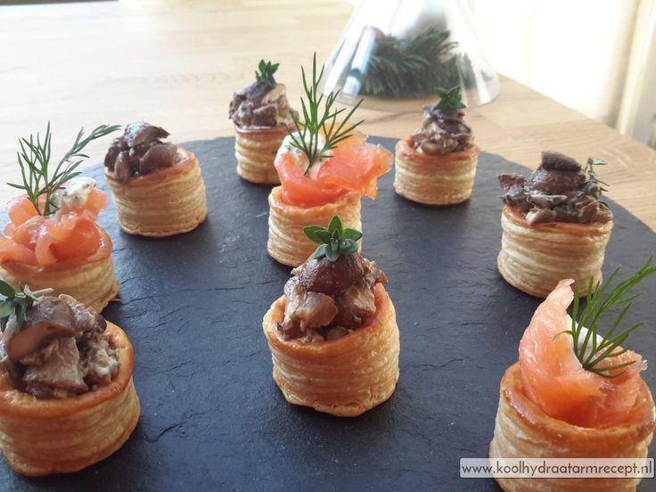 Mini pasteitjes met een romige vegetarische champignon ragout en zalm en kruidenkaas, lekker voor de feestdagen of gewoon als tussendoortje.