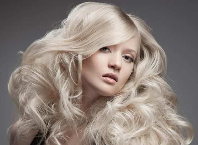 Genialne i niespotykane sposoby na to, aby włosy były bardziej puszyste