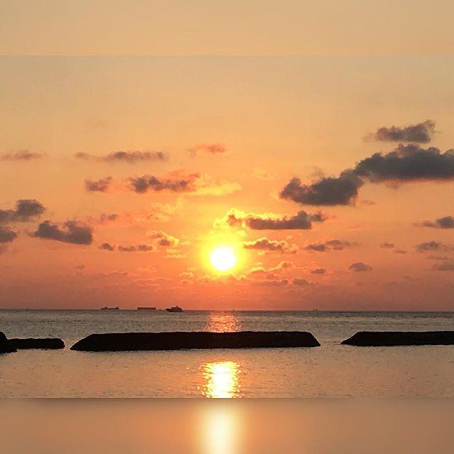 sundown  good bye my love goodbye (demis roussus) @kurumba_maldives @emirates @kurumbamaldive @sheratondubaicreek #kurumbamaldives #emirates #honeymoon #25weddinganniversary #maldives #vienna #austria #igers #igersvienna #igersaustria #discoveraustria #igersoftheday #ig_vienna #picoftheday #instagood #photooftheday #instagram