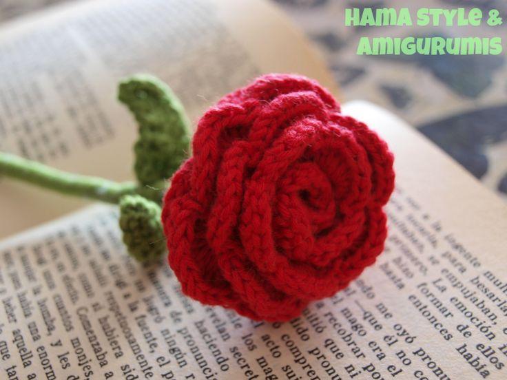 Un libro y una rosa - ¡Feliz día del libro y de Sant Jordi! #rose #crochet #amigurumi