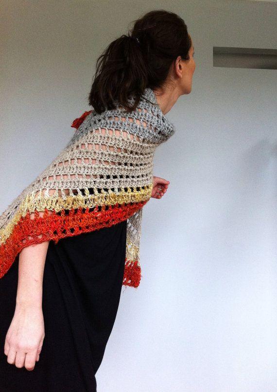 Grand châle polyvalent en laine écossaise biologique et de fils de soie de sari recyclé. Eco friendly, unique. Victoire à la main en Écosse.