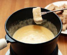 È un tipico piatto invernale alpino. Ne esistono diverse varianti, le più conosciute sono: alla francese, alla svizzera e alla piemontese.