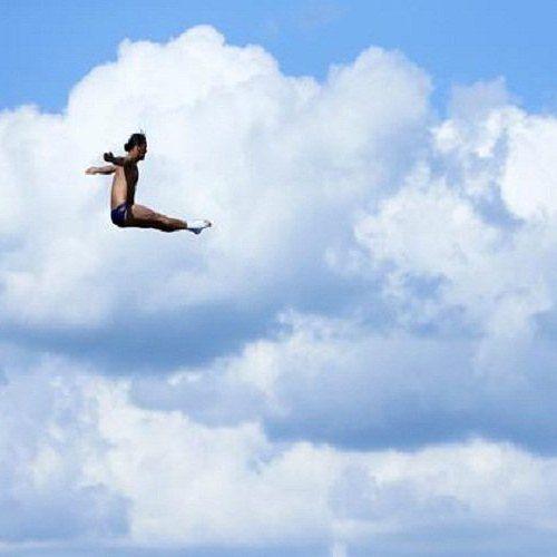 شاهدوا بطولة أبوظبي العالمية للغطس العالي إحدى أهم البطولات على مستوى العالم لمستوى قفز الـ 27 متر #في_أبوظبي Watch best divers plummet from 27m #InAbuDhabi at '4th FINA High Diving World Cup' on Apr 27-29 @AlMaryahIsland
