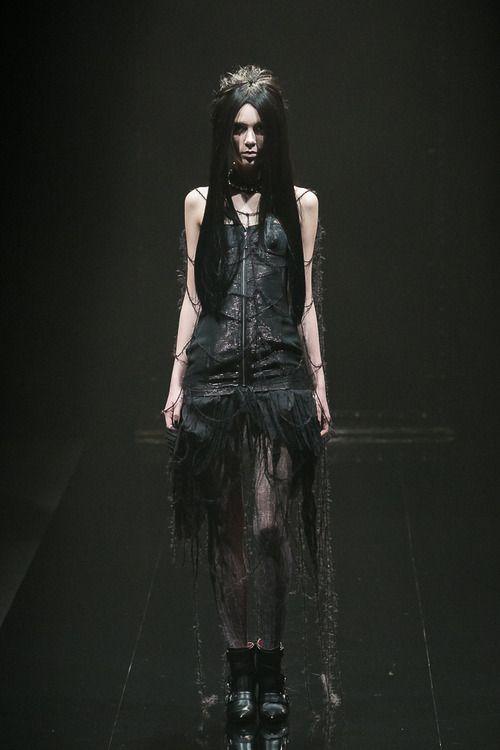 [No.50/55] alice auaa 2013~14秋冬コレクション | Fashionsnap.com