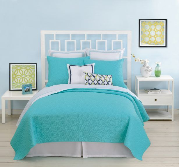 Bedroom The Mesmerizing Small Furniture Sets Along With Turquoise Bed Linen Style Together White Iron Frame And Plus Traditional Nightstand Wall Painting On Walls Designing Comfortable Linens