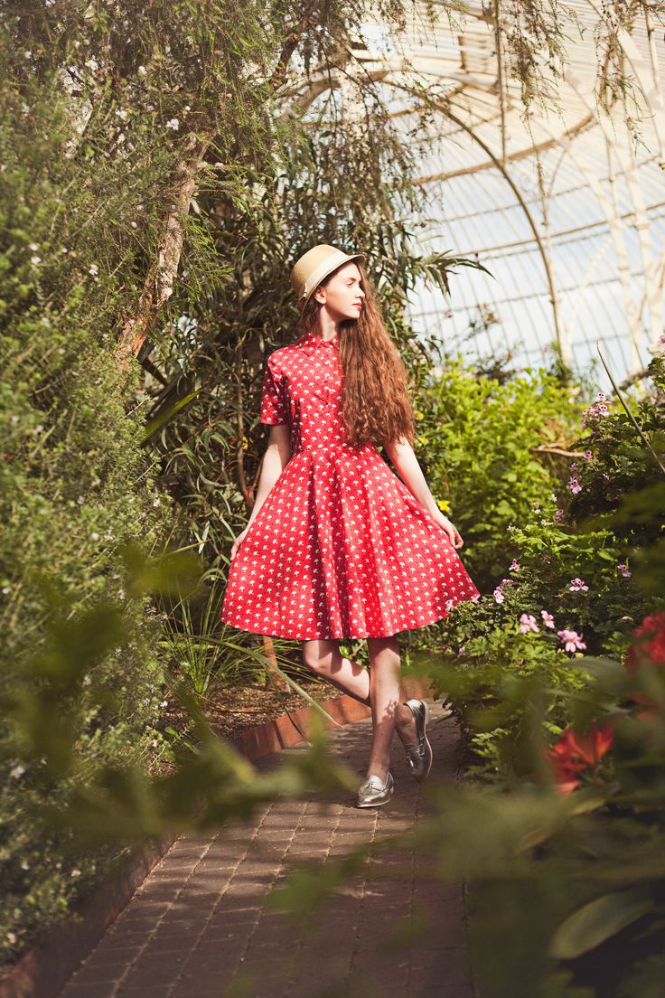 Umbrella #print #vintage #style Gina dress from #Circus, shot in the #Botanic Gardens, #Dublin.