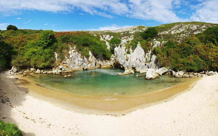 This Secret Beach in Spain Is Hidden in the Middle…