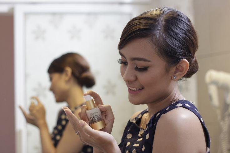 D'Orlin Whitening Serum Gold Series Maximizer Spesialis Kantung Mata, Flek Hitam dan permasalahan wajah lain nya.  #serumwajah #serumgold #serumwhitening #maximizer #BPOMRI #bpomindonesia