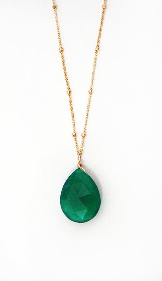 Collar de gota ónix verde esmeralda