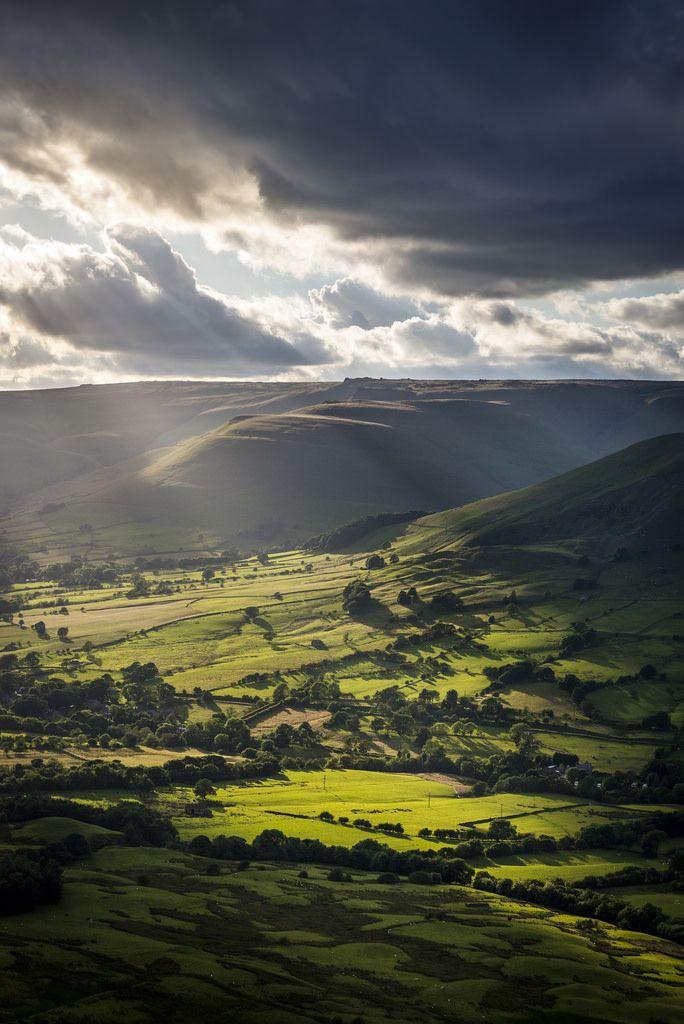 Edale, Derbyshire, England by Keartona