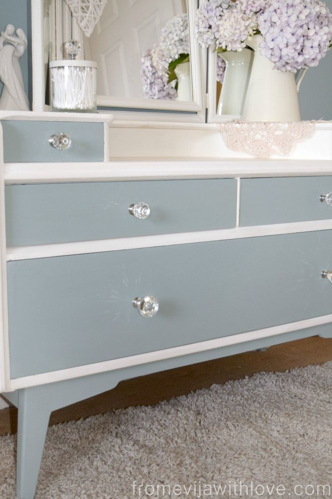 Dressing Table Makeover Repurposing and upcycling in 2019