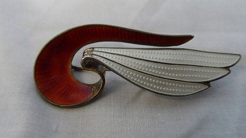 A NORWEGIAN SILVER AND ENAMEL ART DECO BROOCH IN - by British Bespoke Auctions