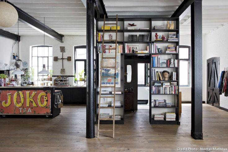 bibliothèque dans un loft #bibliotheque #loft #livre #bookshelves