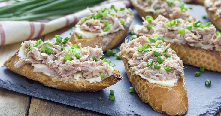 Pripravte si recept na Cottage – tuniaková nátierka s nami. Cottage – tuniaková nátierka patrí medzi najobľúbenejšie recepty. Zoznam tých najlepších receptov na online kuchárke RECEPTY.sk.