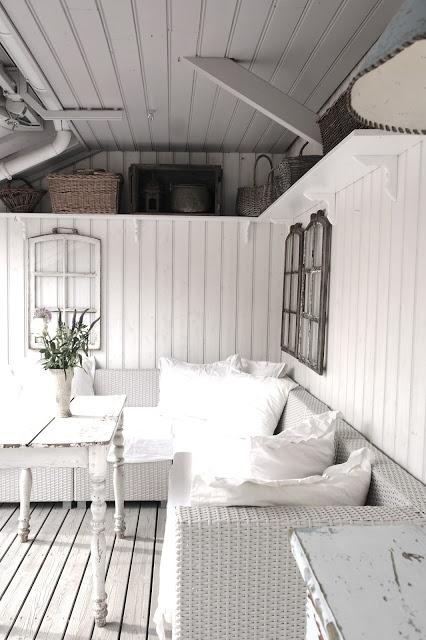 I so love white on white.. So crisp and clean..