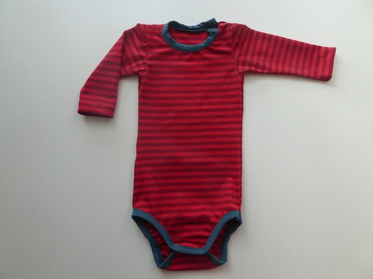 #Unisex baby body in red stripes with soft blue piping.   #Pitupiclothing #babybody #barnkläder #babykläder #biokleidung #slowfashionmovement