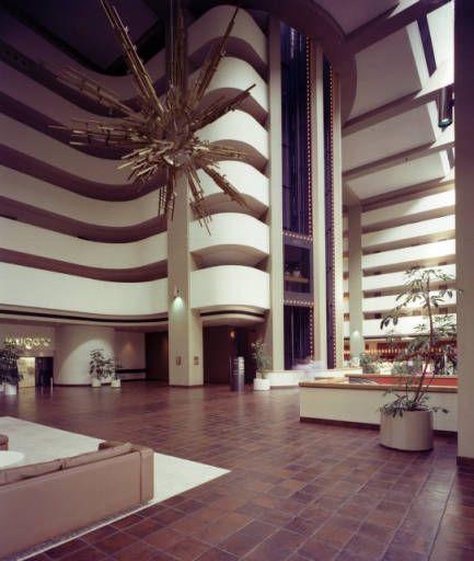 Hyatt Regency Phoenix Ariz 1976 Wayne Thom Photography Collection Vintage ArchitectureArchitecture DesignHotel InteriorsModernismRegency