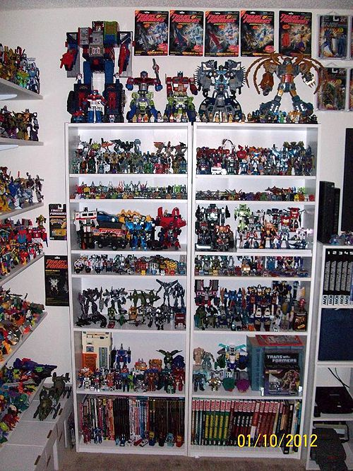 Flywheels rolls out his Transformers collection