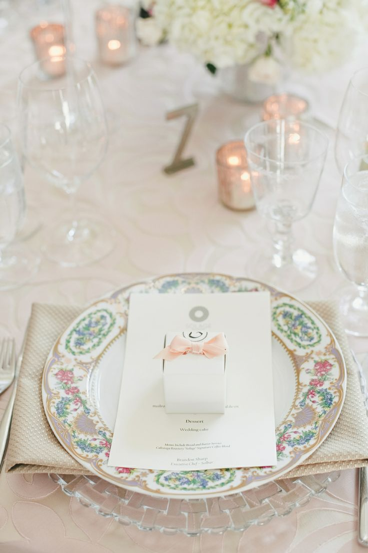 Pretty place setting | On SMP | Photography: onelove photography
