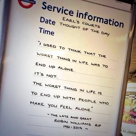 London Underground Staff Pay Tribute To Robin Williams With Tube Sign