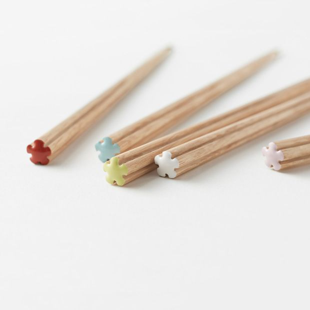 Chopsticks for Nashikura Matsukan by Nendo