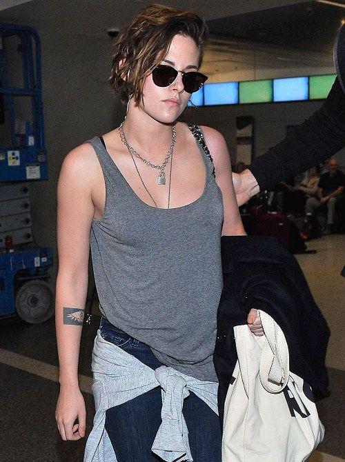 "Kristen Stewart Dishes On Robert Pattinson in Bed: Twilight Sex Scenes Were ""Agony"" – Jealous Of FKA Twigs Engagement?"