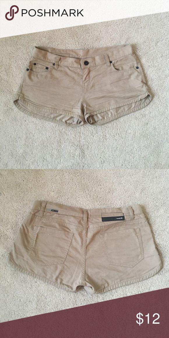 Hurley beige shorts Nike/ Hurley beige dri fit shorts // worn once! Shorts