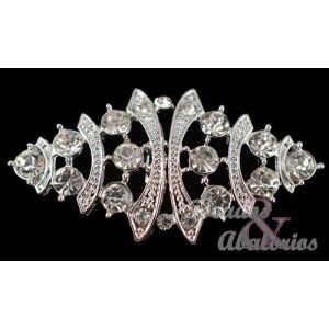 Brooch rhinestones and metal 5.5 x 3 inches. This brooch is perfect to decorate your dresses and clothing   as well as to put on turbans