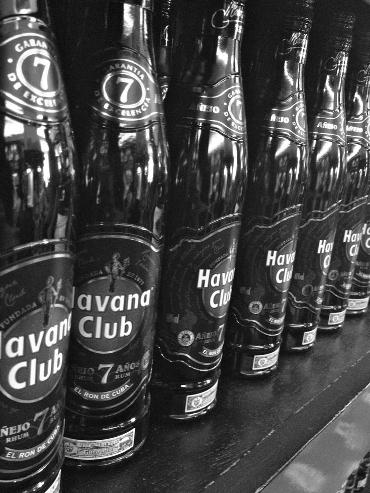 Cuba- Havana Club Tolle Geschenkideen mit Havana Club Rum findet man unter: http://www.dona-glassy.de/Themengeschenksets/Geschenksets-Havana-Club:::24_55.html