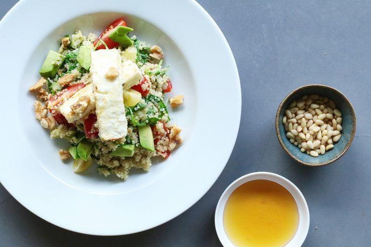 Quinoa salade met gebakken honing-feta, Gezonde saladerecepten, Recepten met quinoa, Gebakken feta, Saganagi maken, Beaufood recepten, Gezonde foodblogs, Glutenvrije foodblogs