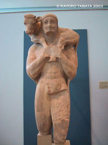 アクロポリス博物館 「仔牛を運ぶ男」