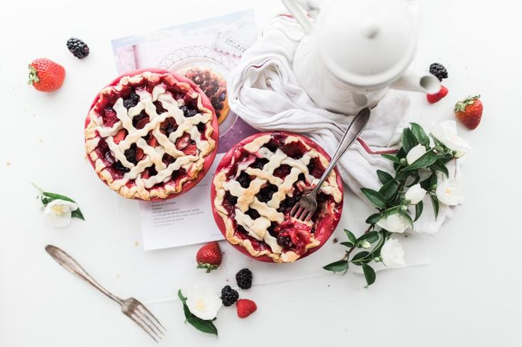 food, eat, gourmet, strawberry, pies, fruits, flowers, table, spread, teapot, forks, raspberry, delicious, flatlay, white