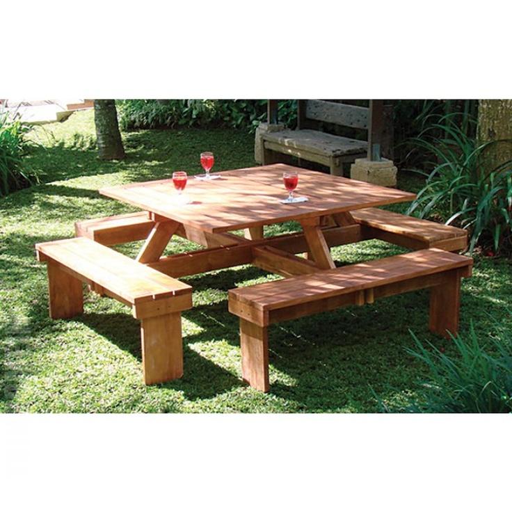 Vierkante picknicktafel hardhout  385 euro