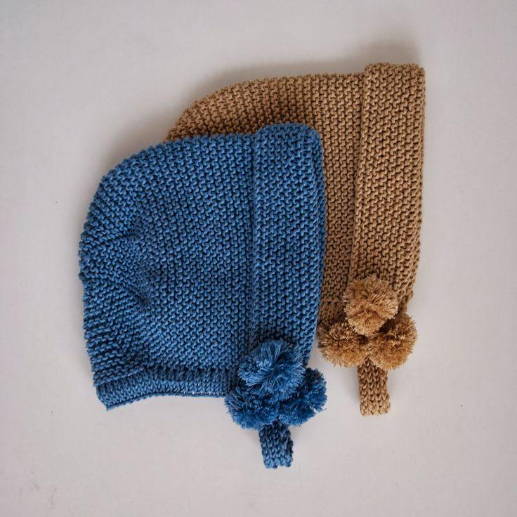 Capota en algodón o lana se puede hacer con cinta de raso, punto o botón