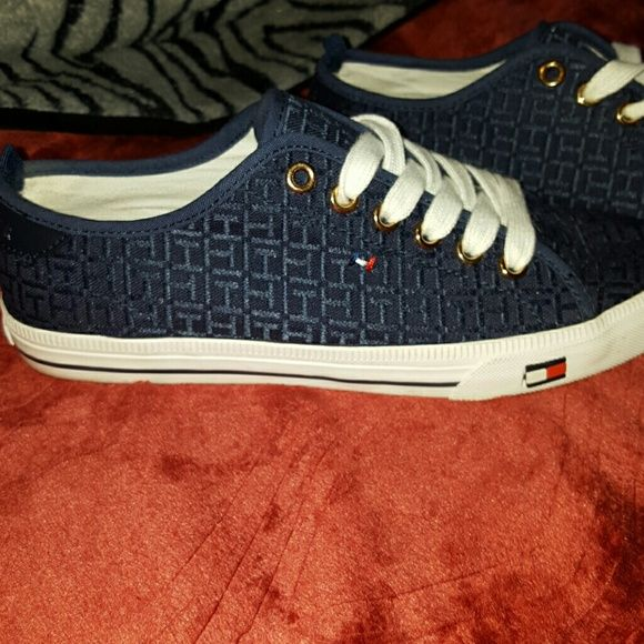 Navy Blue Tommy Hilfiger Sneakers Size 7.5 womens Great condition! Tommy Hilfiger Shoes Sneakers