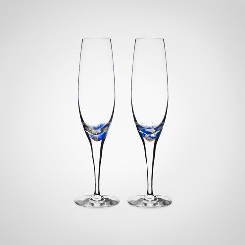Ett par fin och speciella glas är vår kollektion Friendship Love collection med 24 karats guld ingjutet i glaset. Dessa glasen är Champagne glasen i kollektionen