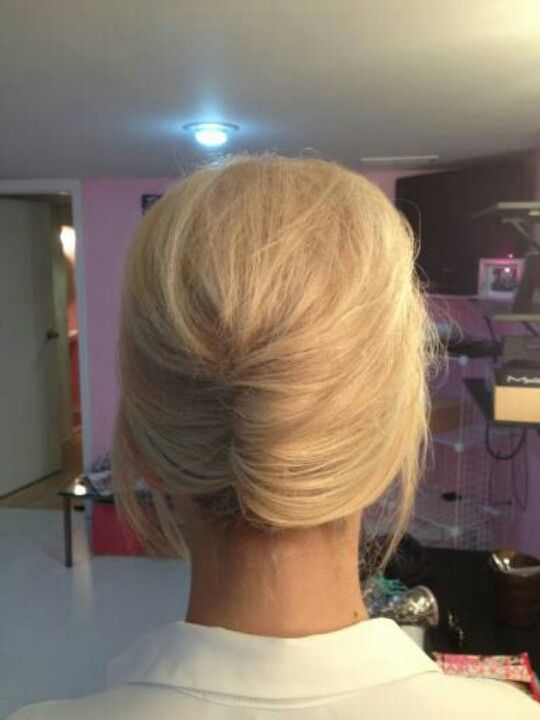 Modern French twist by juliaandjuliabridal.com #frenchtwistupdo