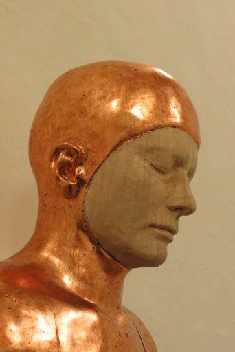 Paloma Varga Weisz al Castello di Rivoli: Bumped Body (Corpo gonfio) 2007 (particolare) legno di tiglio placcato rame