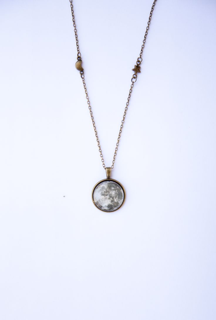 Ilianne | Jewelry Made of Love - Full Moon Pendant