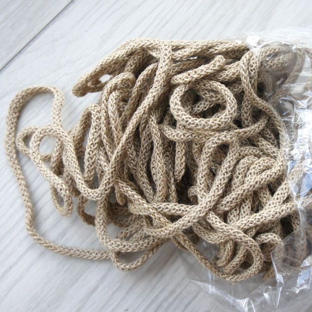 iuta_naturale fettucce per confezionare borse di diversi colori, potrebbe essere un'attività economicamente soddisfacente.