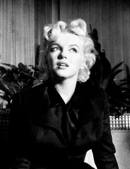 """Marilyn Monroe at a press conference in Hollywood, 1956. """