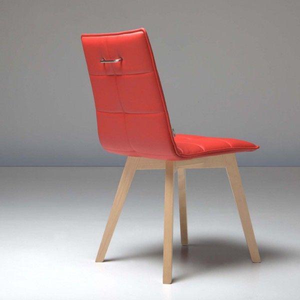 Chaise design en bois & coque matelassée Iris Wood  assortie aux chaises snack, 170 à 200 euros en fonction des finitions