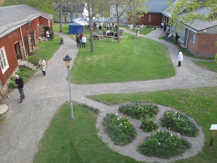 På EKTAs innergård. EKTAn sisäpihalla. At The courtyard of EKTA. #EKTAMuseumcenter #Borgargården #Ekenäs #Tammisaari #Raseborg #Museum