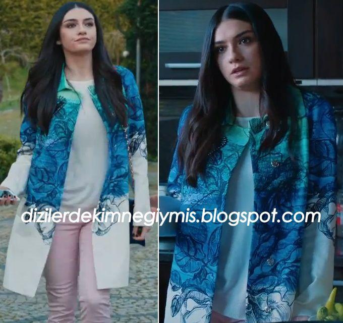 Medcezir - Eylül (Hazar Ergüçlü), Blu Floral Coat